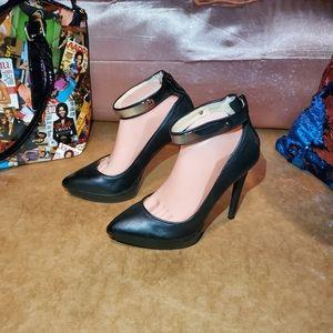 Jessica Simpson platform heels silver plated strap